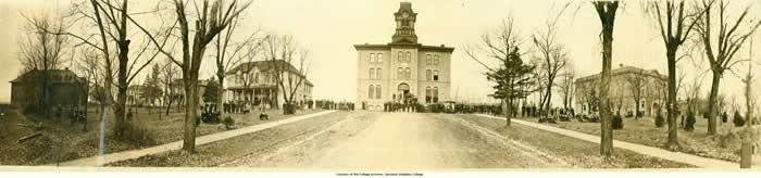 Gustavus_Adolphus_College_St_Peter_Minnesota_1917