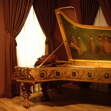 Regency Piano