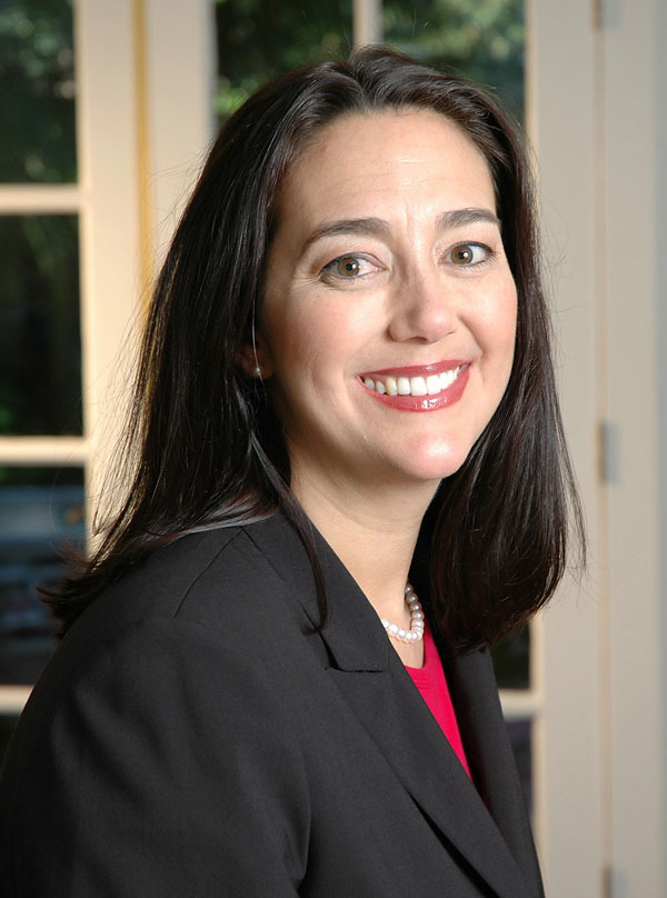 In 1994, Erin Gruwell began student-teaching at Woodrow <b>Wilson High</b> School <b>...</b> - erin-gruwell-lg