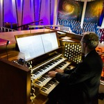 Photo gallery image named: cincc-organist.jpg