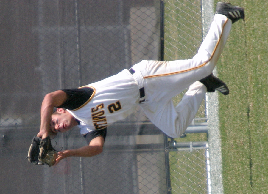 Ash Larsen makes a catch for the Gusties.