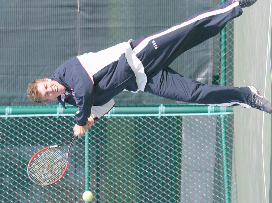 Andy Bryan posted a 6-1, 6-1 win at #3 singles.