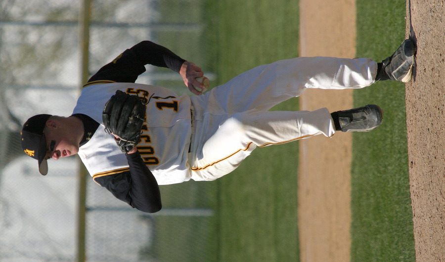 Lefthander Wade Vrieze pitched two innings in relief against the Mavericks.