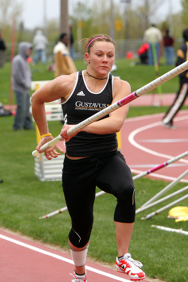 Junior Janna Castellano won the MIAC outdoor pole vault last season and participated in the NCAA Outdoor Championships.