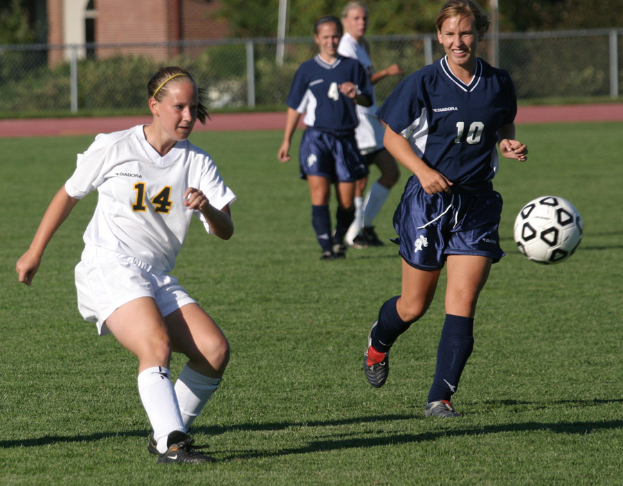 Sophomore Christy Tupy led the team with five goals in 2005.