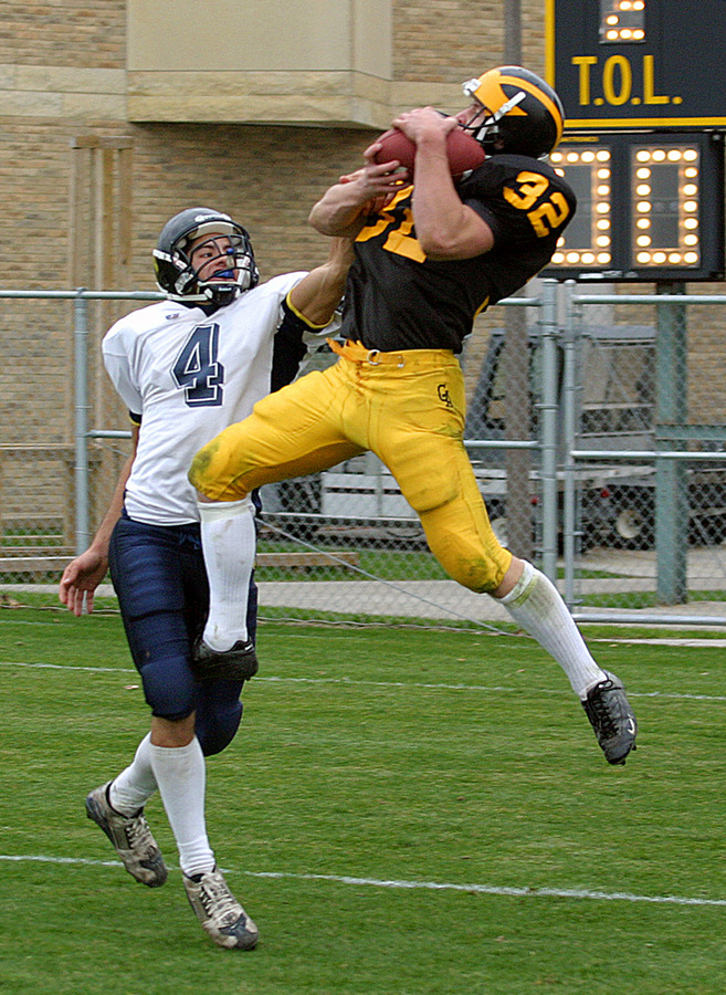 A total of eight seniors start for Gustavus on defense, including defensive back Wade Vrieze.