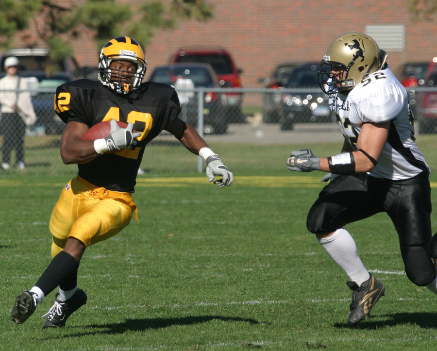 Sophomore Ray Wilson ran for 124 yards on 13 carries in last weekend's 51-0 win at Macalester.