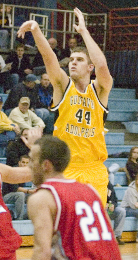 Phil Sowden scored his 1,000 career point against St. John's.