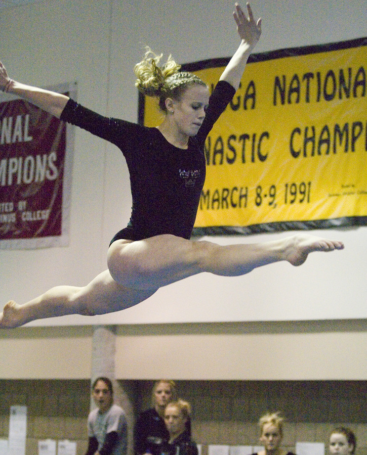 Senior Nicole Gergen posted scores of 8.5 on the balance beam and 8.75 on the floor exercise against UW-Stout.