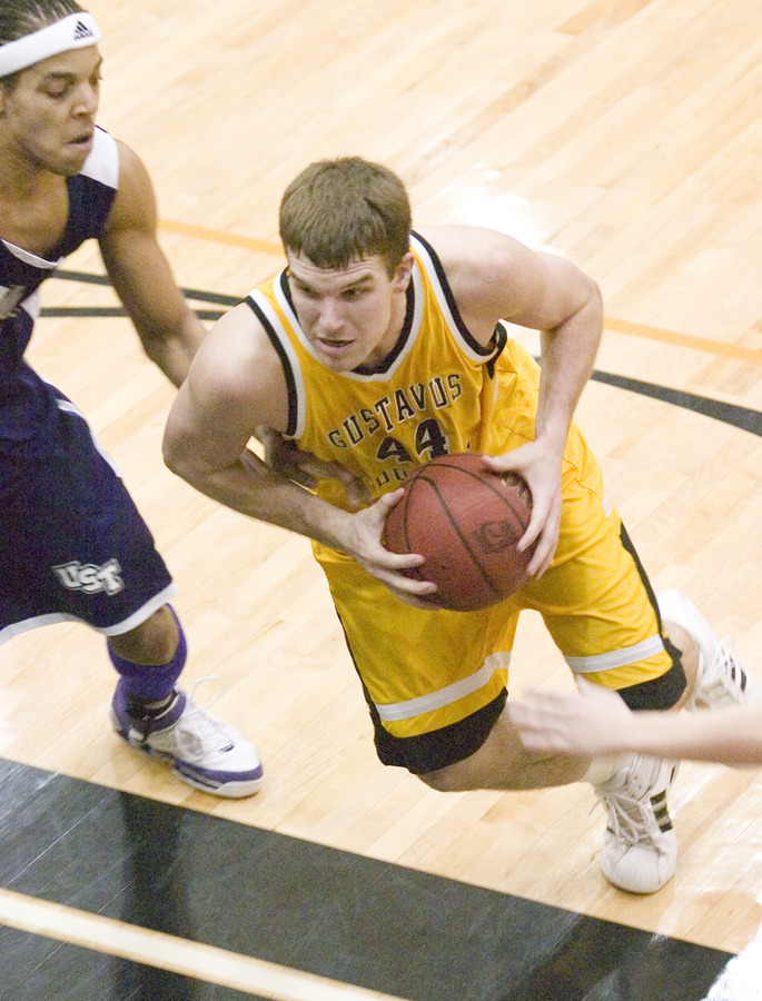 Phil Sowden posted a 16-point, 10 rebound double-double.