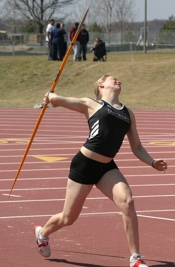 Sophomore Lisa Brown automatically qualified for the NCAA Championships Saturday.