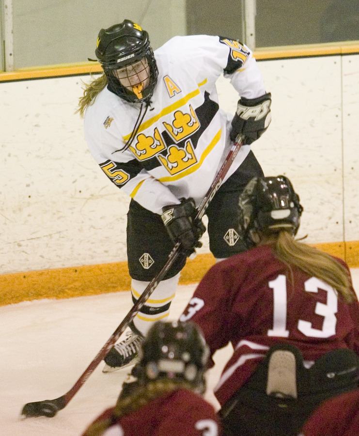 Dorer handles the puck against St. Mary's in the 2007 MIAC Playoffs.
