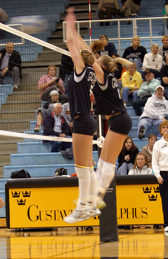 Nicki Ainsworth and Britta Bolm go up for a block.