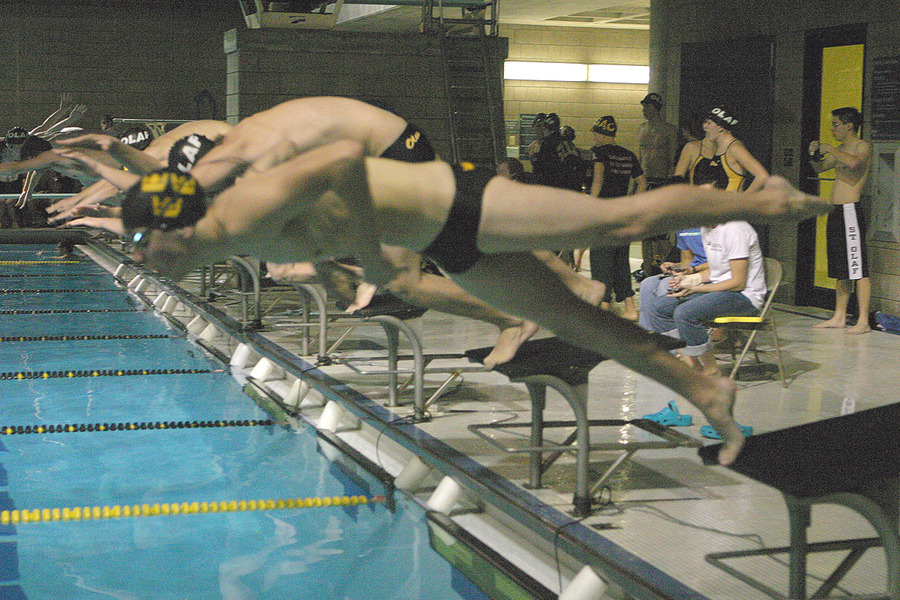 The Gustavus/St. Olaf dual meet was featured on SwimmingWorldMagazine.com as the national meet of the week.