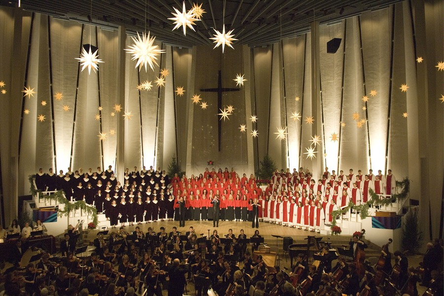 The finale at the 2007 Christmas in Christ Chapel Service (Photo by Anders Bjorling)