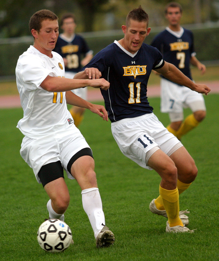 Fraser Horton was named to both the NSCAA and D3Kicks.com region teams.