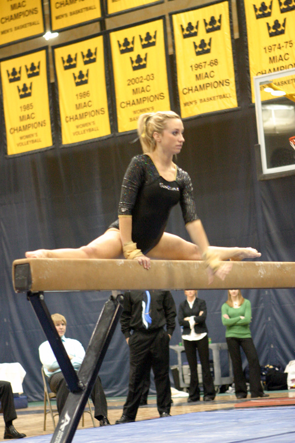 Jessica Dolan sparked the Gusties with a career best score of 9.40 on the balance beam.