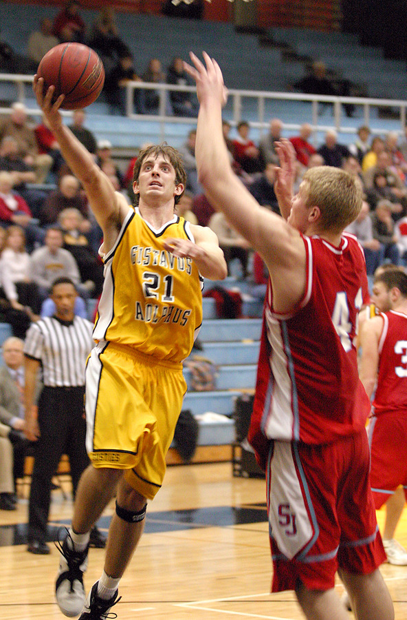 Jesse Van Sickle scores on a layup.