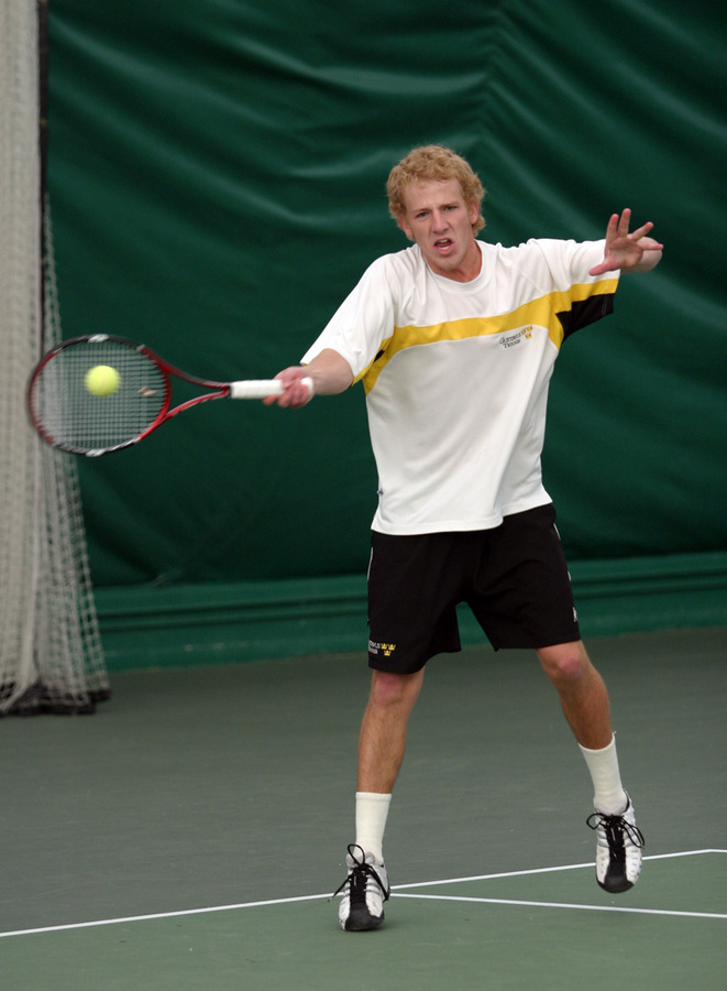 John Kauss recorded a win at #2 singles.