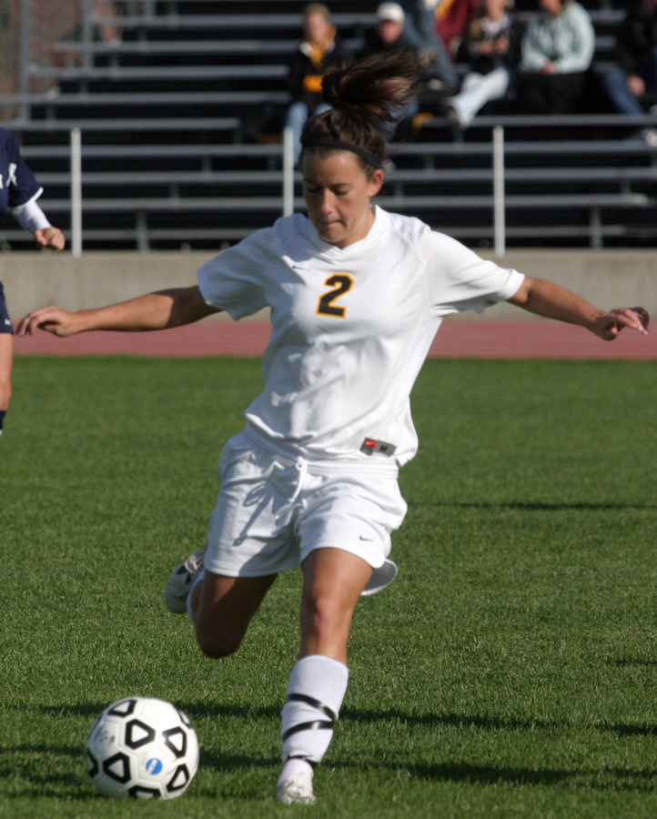 Kirsten Thulien controls for the Gusties