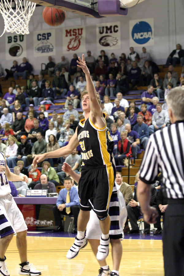 Jesse Van Sickle knocks down the layup for two of his 16 points.