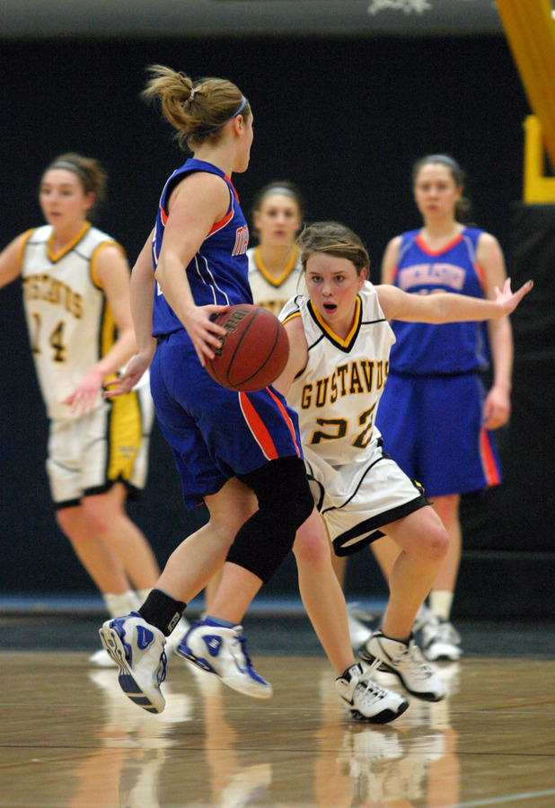 Colleen Ruane works hard on the defensive end.