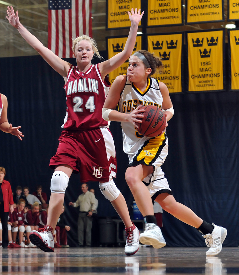 Bri Radtke drives to the basket. (Brian Fowler, SportPix)