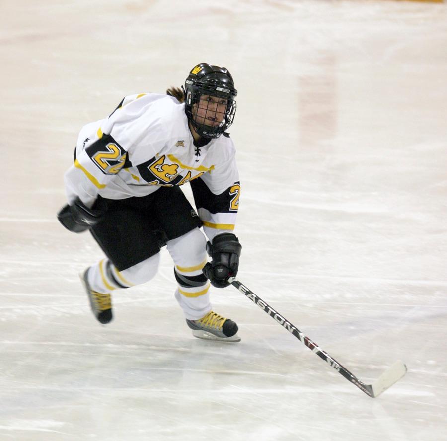 Sara Yungner heads up the ice.