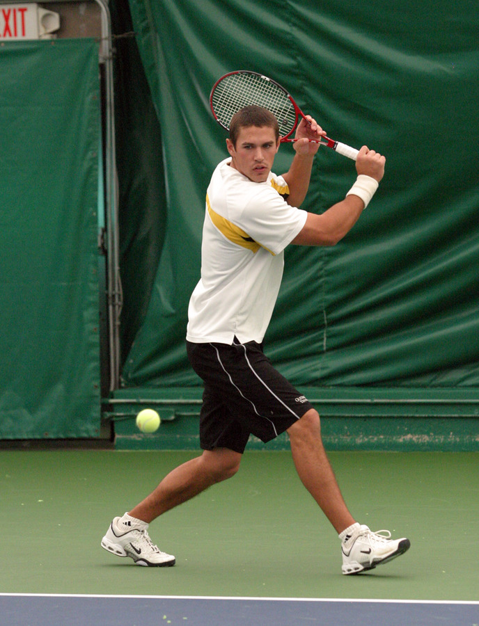 Ben Tomasek picked up the fifth point for Gustavus at #5 singles.
