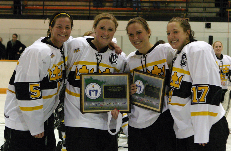 Seniors Mari Gunderson, Jenny Pusch, Jessie Doig, and Christine Wicker have provided valuable leadership this season.