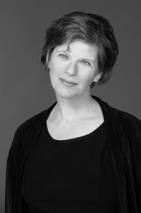 Patricia Kazarow has conducted the Choir of Christ Chapel since 1984.