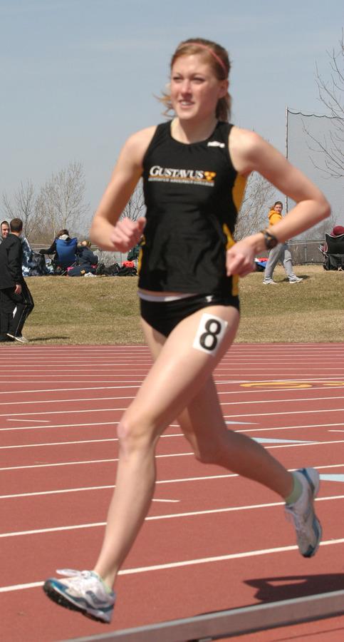 Brooke Beskau took fourth place in the 5,000 meters.
