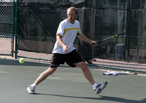 Mike Burdakin defeated Charlie Cutler at #2 singles 7-6, 6-2.