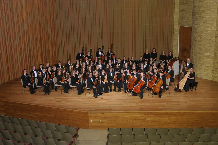 Conductor Warren Friesen & the Gustavus Symphony Orchestra