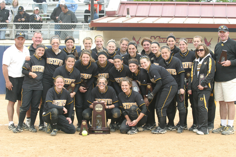 Gusties after claiming their third place trophy at the NCAA Championship.