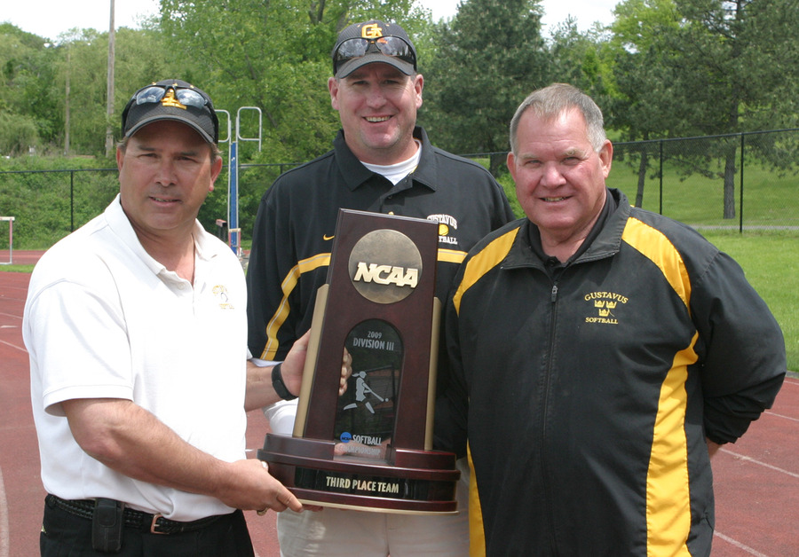 Head Coach Jeff Annis (left), with assistants Kyhl Thomson (middle), and Mark Wiest (right).