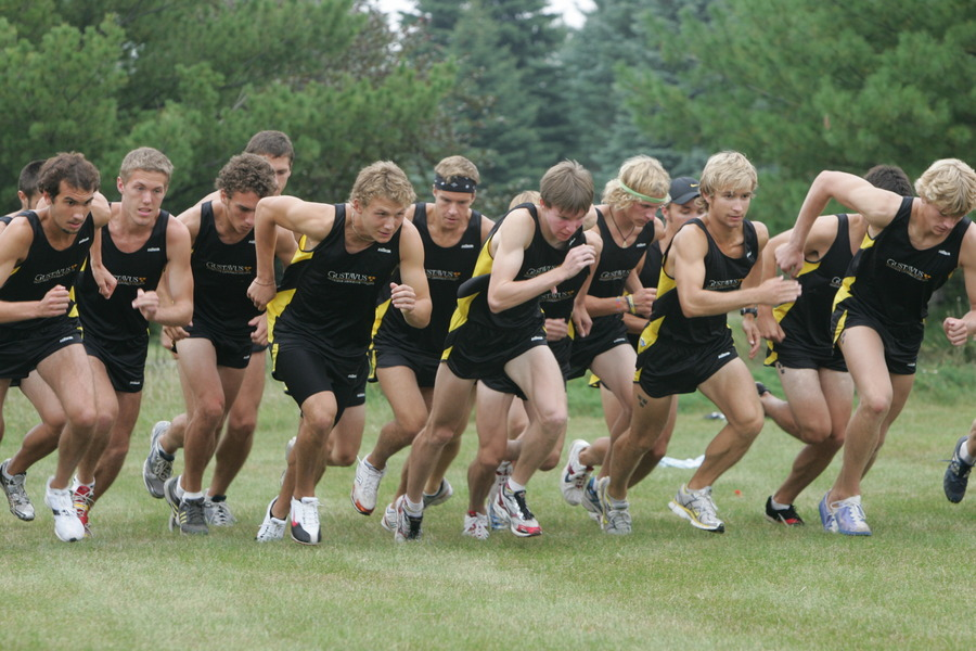 The Gustavus men sprinting as the race begins.