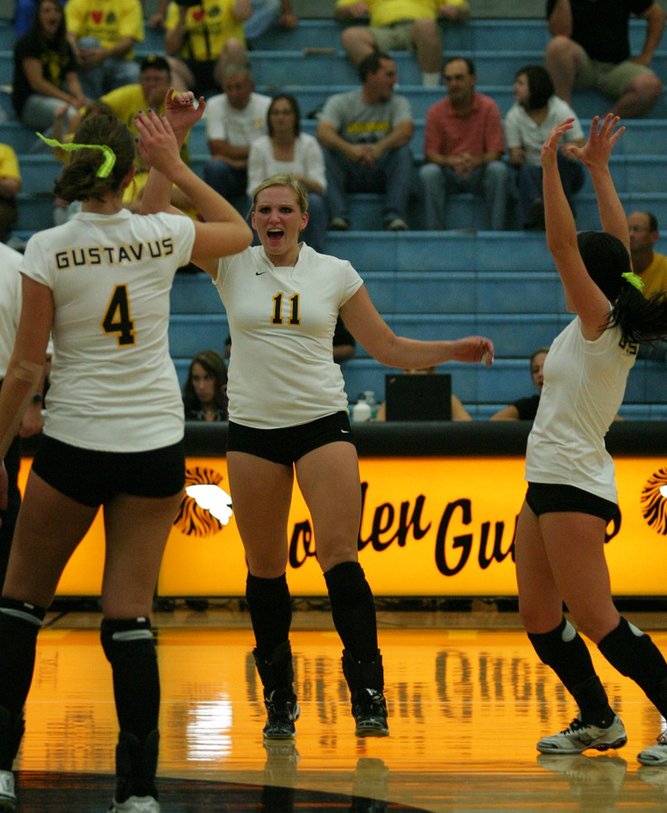Gustavus celebrating after an Ainsworth kill.