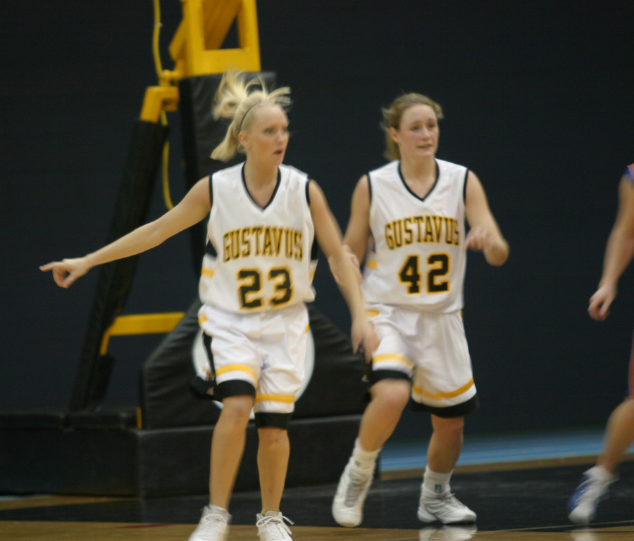 Seniors Lacy Skoog and Kristin Kachelmyer will lead this year's team