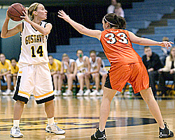 Junior Sara Boldt avoids a Wartburg defender