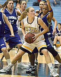 Kristin Kachelmyer battles in the paint against St. Thomas
