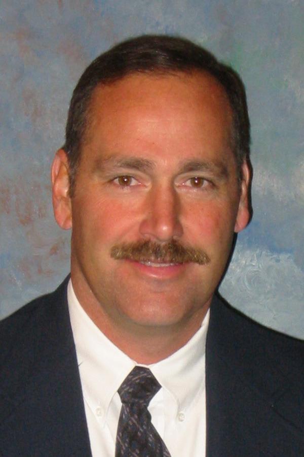 Men's soccer coach Larry Zelenz